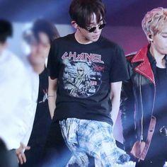 Back to the win period! Just another boy! 160508 C-Festival K-Pop Concert @souththth @xxjjjwww #winner #winneryg #namtaehyun #kimjinwoo #taehyun #jinwoo #남태현 #김진우 #namtaehyunday #namtaehyunhbd