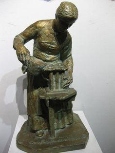 """Alfred Laliberté, """"Coulage de chandelles,"""" Plâtre, 15"""" Dédicacée et signée 26 avril 1943 au cul 26 Avril, Claude, American, Spiritual, Sculptures, Bronze, Statue, Painting, Collection"""