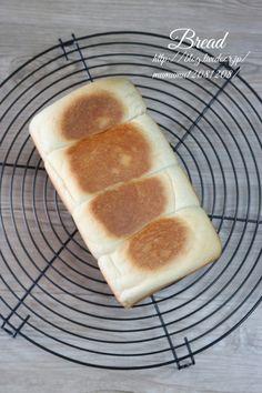 焼けたらケーキクーラーの上に置いて粗熱を取る。