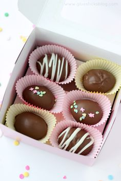 DIY Chocolate Easter Eggs       I am trying this recipe 1st