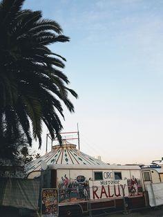 Idée de sortie à Barcelone : le cirque Raluy | Barcelone – Babymeetstheworld - Blog maman - Blog Voyages Blog Voyage, Fair Grounds, Building, Travel, Time Travel, Barcelona, Voyage, Trips, Buildings