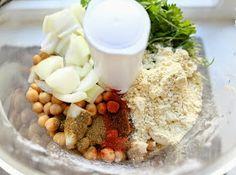 Veganmisjonen: Min beste falafel Falafel, Hummus, Tapas, Oatmeal, Vegan, Breakfast, Desserts, Foods, Recipes
