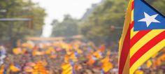 Le président catalan Carles Puigdemont, entouré du vice-président Oriol Junqueras et de la présidente du parlement régional Carme Forcadell, a annoncé ce matin la date du prochain référendum. Voulez-vous que la Catalogne soit un État indépendant sous forme de République? sera la question posée aux Catalans le dimanche 1er octobre prochain, lors d'un référendum non
