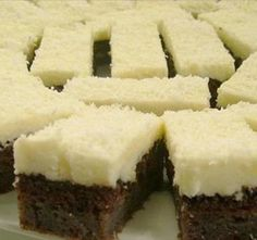 Érdekel a receptje? Hungarian Desserts, Hungarian Recipes, My Recipes, Cooking Recipes, Sweet Cookies, No Bake Desserts, Yummy Cakes, Food To Make, Food And Drink