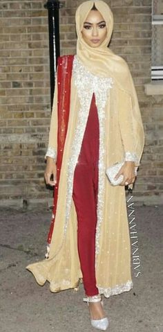 Finally guys an Asian Attire💅🏼 Love this amazing contrast of red and gold. Look in Green Street, Westfield, Golu Fashion, Whitechapel etc. They have many similar attires like this and maybe even better. Very simple designs but is eye catching at the same time👄