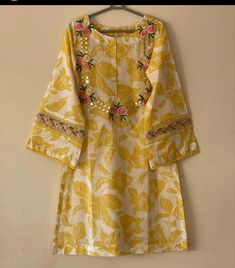 Beautiful Pakistani Dresses, Pakistani Dresses Casual, Pakistani Dress Design, Pakistani Suits, Casual Dresses, Summer Dresses, Beautiful Dress Designs, Stylish Dress Designs, Simple Kurta Designs
