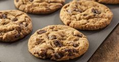 This chocolate chunk cookie recipe used ground quick cooking oatmeal as well as flour. It is a large recipe and makes about 8 dozen cookies. Chocolate Chunk Cookies Recipe from Grandmothers Kitchen. Chocolate Chunk Cookie Recipe, Crispy Chocolate Chip Cookies, Perfect Chocolate Chip Cookies, Chocolate Peanut Butter, Paleo Chocolate, Delicious Desserts, Yummy Food, Cooking Oatmeal, Biscuits