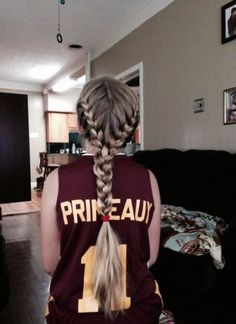 45 Trendy Sport Hairstyles Track Hair Style - Lilly is Love Track Hairstyles, Sporty Hairstyles, Braided Hairstyles, Cool Hairstyles, Cheer Hairstyles, Running Hairstyles, Softball Hair Braids, Game Day Hair, Basketball Hairstyles