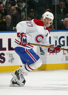 Alex Kovalev a marqué son 300e but et 700e point en carrière le 20 décembre 2005 contre le gardien Dominik Hašek dans un gain de 4-3 du tricolore devant les Sénateurs d'Ottawa. Durant la saison 2007-08, il est nommé capitaine de l'équipe en l'absence de Saku Koivu. L'année suivante, il est nommé capitaine de la Conférence de l'Est au match des Étoiles 2009 à Montréal. Il reçoit l'honneur du joueur le plus utile en raison de ses 3pts (2-1) en temps réglementaire et son but en tir de barrage.