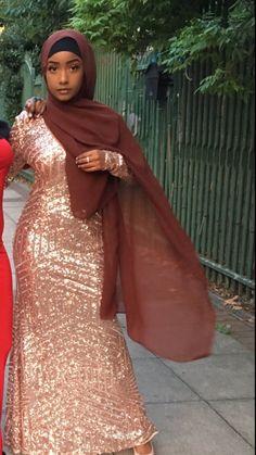 Muslim Prom Dress, Hijab Prom Dress, Hijab Outfit, Nude Formal Dresses, Nice Dresses, Muslim Fashion, Hijab Fashion, Style Fashion, Home Design