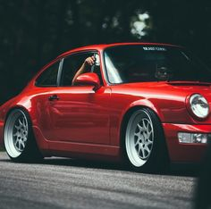 Brilliant Shot of a Porsche 964!