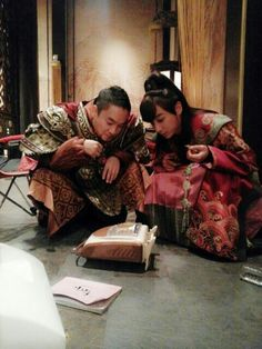 uploaded this image to 'Empress Ki'. See the album on Photobucket. Jin Yi Han, Korean Shows, Yoo Seung Ho, Ha Ji Won, Ji Chang Wook, Korean Actors, Korean Drama, Behind The Scenes, Kdrama