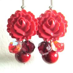 Glam Flower Earrings Vintage Style by flirtyfashionjewelry on Etsy Vintage Style, Vintage Fashion, Flower Earrings, Vintage Earrings, Pretty Flowers, Etsy, Jewelry, Jewellery Making, Beautiful Flowers
