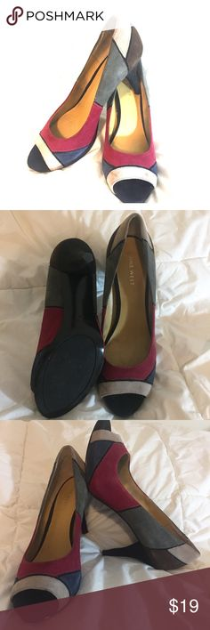 Nine West peep toe heels Nine West. Size 7. Jewel toned geometric pattern with peep toe. Outside is faux suede material. Some scuffing, but they have been minimally worn. Feel free to ask for additional measurements ☺️ Nine West Shoes Heels