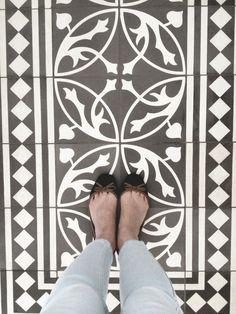 Baldosa hidráulica. Este tipo de suelo,queda perfectamente integrado en locales y pisos de ciudad, sean modernos, minimalistas, etc.....