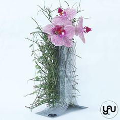 Flori MARTIE deosebite - orhidee si pin intr-o structura YaU din metal _ yauconcept _ elenatoader (3) Flower Show, Martie, Flower Designs, Glass Vase, Floral Design, Concept, Contemporary, Metal, Inspiration