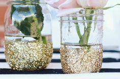 gold glitter wedding ideas | Gold glitter dipped mason jars | My dream wedding ideas :)
