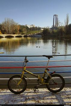 Cu bicicleta prin Bucuresti - traseul 13: Unirii - Parcul Carol - Filaret - Palatul Suter - Strada Xenofon . Cycling In Bucharest - 13 - Uni...