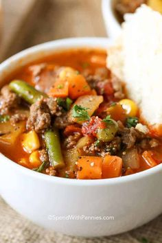Hamburger Soup is a quick and easy meal loaded with vegetables, lean beef, diced tomatoes and potatoes. It's great made ahead of time, reheats well and freezes perfectly. Beef Soup Recipes, Dinner Recipes, Cooking Recipes, Healthy Recipes, Chowder Recipes, Veggie Recipes, Healthy Eats, Yummy Recipes, Recipies