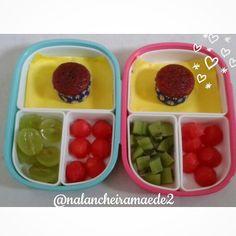 Lanche: mini bolinho de beterraba+uva+melancia Lanche: mini bolinho de beterraba+kiwi+melancia