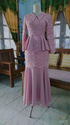 Model d benr Gaun Dress, Dress Brokat, Hijab Dress Party, Maxi Dress Wedding, Kebaya Modern Dress, Mother Of The Bride Dresses Long, Stylish Dresses For Girls, Muslim Dress, Batik Dress