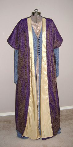 Persian outfit  by Safiye, via Flickr... This looks like something Professor Dumbledore would wear!