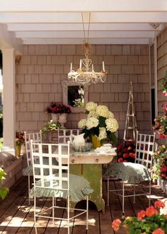 Country porch dining