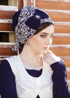 Senorita Pre-Sewn Headcovering in Blue & White