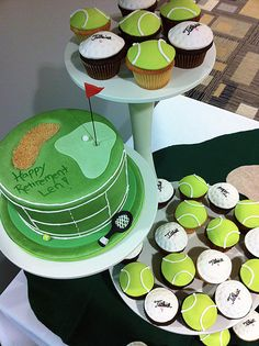 golf tennis cupcakes by Amanda Oakleaf Cakes, via Flick I like the Titlest cupcakes Golf Cake Toppers, Fondant Toppers, Fondant Cupcakes, Cupcake Cakes, Cupcake Ideas, Tennis Cupcakes, Tennis Cake, Unique Cakes, Creative Cakes