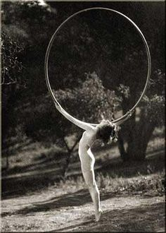 big circles #lovebigcircles #hoopmuse #hoopnotica / Vintage Movement <3
