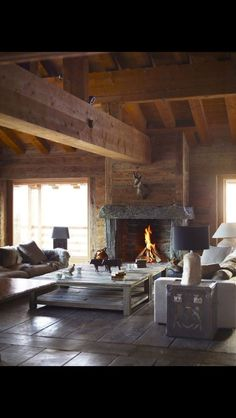 55 Trendy ideas for rustic wood floors wide plank beams Style At Home, Chalet Interior, Interior Design, Interior Modern, Rustic Wood Floors, Timber Wood, Luxury Accommodation, Cabins And Cottages, Log Cabins