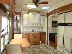 Multi-tone cabinets
