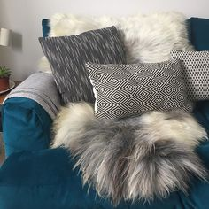 Playing around. Stylist's day off at home @hiderugs #style #sheepskin #hides #reindeer #cosyhome #homegoals #homebuys #rugs #sofa #sofas #sofastyling #ukblogger #fblogger #homesblogger #interiorstylist