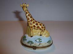 Limoges-France-Handpainted-4-5-Tall-Porcelain-Giraffe-Trinket-Box-Perfect
