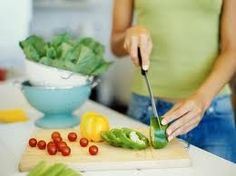 Healthy Eating Plans – three large and two small meals a day. Breakfast, lunch, dinner as main meals in between each still a small snack. Nutrition experts advise you to listen to your individual needs Dash Diet Recipes, Healthy Recipes, Healthy Meals, Easy Recipes, Healthy Cooking, Crockpot Recipes, Cooking Tips, Starter Recipes, Healthy Weight