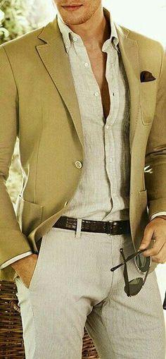 """#wattpad #romance Demian Daghetti. Italiano, empresario, millonario y un perfecto anfitrión en las fiestas. Dos palabras que podrían describirlo serian """"Posesivo"""" y """"Controlador"""". Cerrando una gran negocio con Reeves Home, una constructora mas que importante, se atreve a cuidar de la hija de Paul Revees, una complet..."""