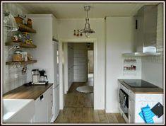 Maalaiskoti Myllyhaassa : Kurkistus keittiöön Ikea, Kitchen Cabinets, Retro, Furniture, Home Decor, Kitchens, Projects, House, Decoration Home