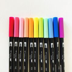 Which color would you use? Do you like to use a lot of colors or do you usually stick to one? These dual brush pens come in so. 😍 Just a little newbie warning though- these pens can be difficult to manage wh