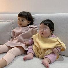 Cute Asian Babies, Korean Babies, Asian Kids, Cute Babies, Baby Kids, Cute Baby Meme, Funny Baby Memes, Kids Kiss, Superman Baby