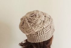 punto canestro Yarn Crafts, Crochet Projects, Winter Hats, Weaving, Crochet Hats, Beanie, Knitting, Lana, Crafting