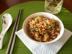 kínai sült rizs receptje, ízletes egytálétel készítése, recept fázisfotókkal, Kocsis Hajnalka receptje Thai Recipes, Wok, Fried Rice, Risotto, Bacon, Chinese, Cook Books, Meals, Cooking