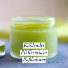 Cooling peppermint foot balm- Kühlender Pfefferminz-Fußbalsam This cooling peppermint foot balm instantly wakes up tired feet and is wonderfully refreshing! Rap Art, Natural Treatments, Natural Remedies, Herbal Remedies, Cystic Acne Treatment, Tired Feet, How To Treat Acne, Natural Skin Care, Natural Health
