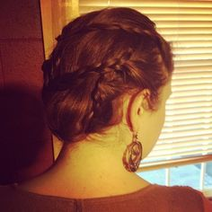another game of thrones inspired hair style --so inspired by my friend, kate's hair (her blog is also awesome)