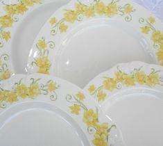 "Set of 4 Vintage NIKKO Jonquil 10.5"" Dinner Plates Yellow Floral on White  #Nikko"