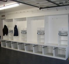 Wow! This is one of the best set-ups I've ever seen for lockers/mudroom storage!!!