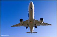 LOT Polish Airlines Boeing 787-8 Dreamliner landing at Gdansk