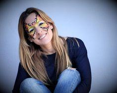 Animadores infantiles, payasos, magos, maquillaje fantasía, diversión, risas es nuestra especialidad.  #superanimaciones #maquillajefantasia #pintacaras #payasos #magos Male Cheerleaders, Wizards, Clowns, Laughter, Make Up