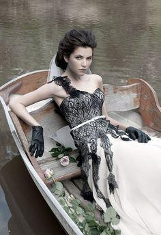 Vestidos de Novia en colores Blanco y Negro 3