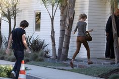 taylor swift ass   TAYLOR-SWIFT-AND-HARRY-STYLES-VISIT-A-HOUSE-TOGETHER-AY_100121940.jpg ...