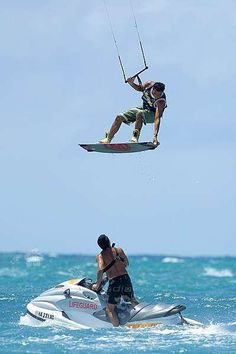 kite surfing in maui